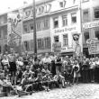 """als """"Fahnenträger"""" bei einer """"Hungerdemonstration"""" in Heidelberg, 1947"""